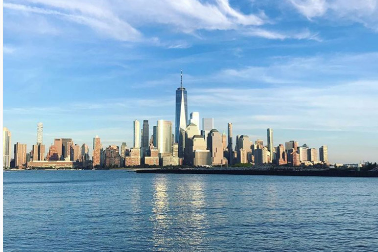 Arriving into New York on Saturday and walking out of my flat to this view was quite a someone-pinch-me moment. @orlaghclaire