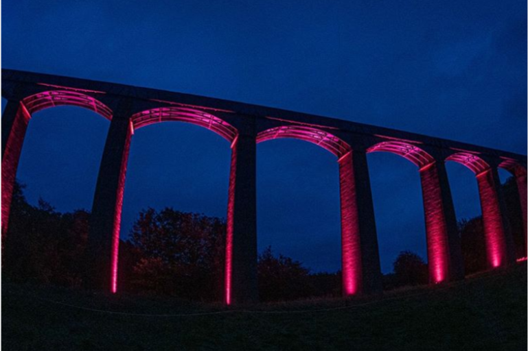 To celebrate the 10-year anniversary of #PontcysyllteAqueduct becoming a @unesco World Heritage Site, five structures along the Llangollen Canal will be lit up every day at 7.30-9.30pm until 27th October. @canalrivertrust