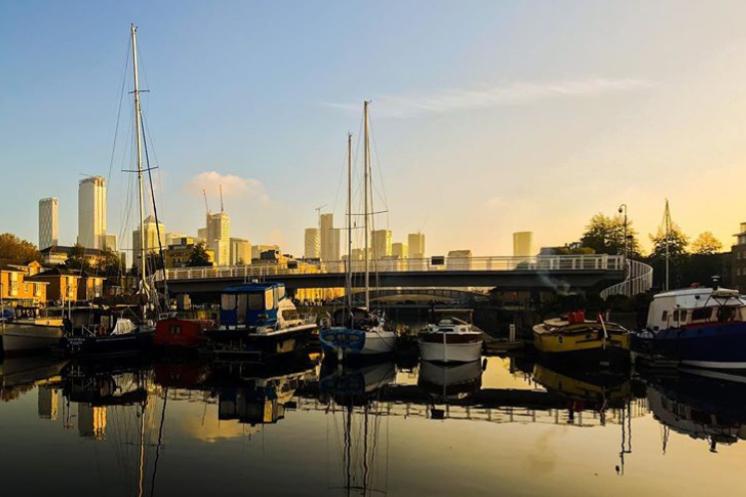 View from the backdoor #greenlanddock #houseboatlife @wadds