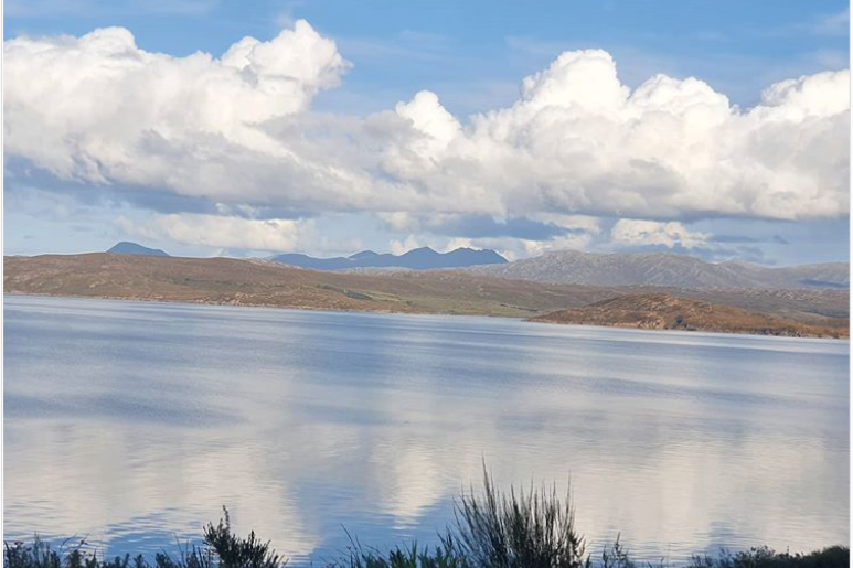 @academyann Clouds reflected in Loch Ewe today. It's so still! #Highlands #Scotland #scotlandisnow #scotspirit #LochEwe #Clouds