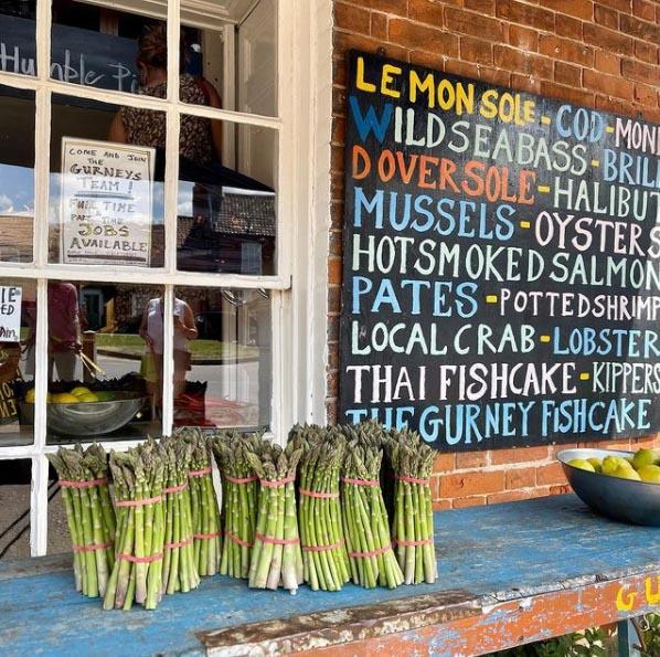 Very tasty looking #asparagus #gurneys #burnhammarket #norfolk #norfolkcoast @elleeseymour on Instagram