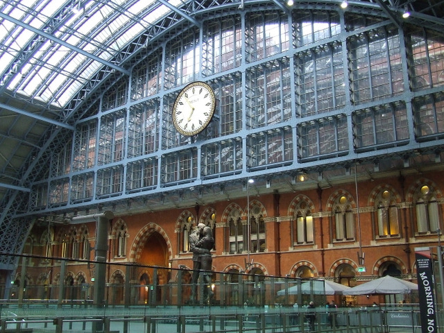 St Pancras Station (photo Thomas Nugent, geograph.org.uk)