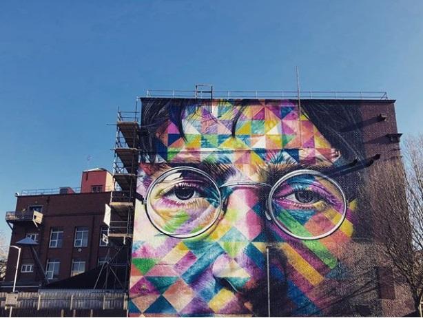 Imagine: John Lennon keeping an eye on Aldi shoppers in Bristol (@liambettinson_)