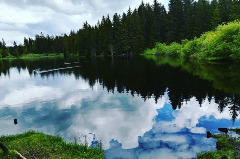 Reflected sky @luciascurei on Instagram