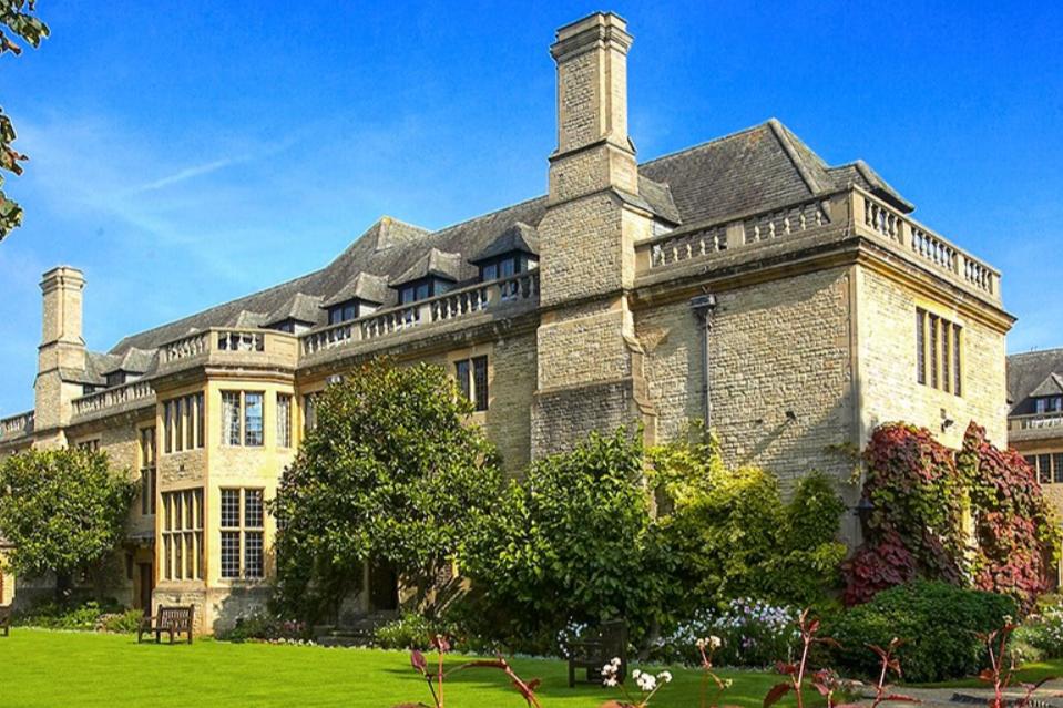 Rhodes House, Oxford (www.rhodeshouse.ox.ac.uk)