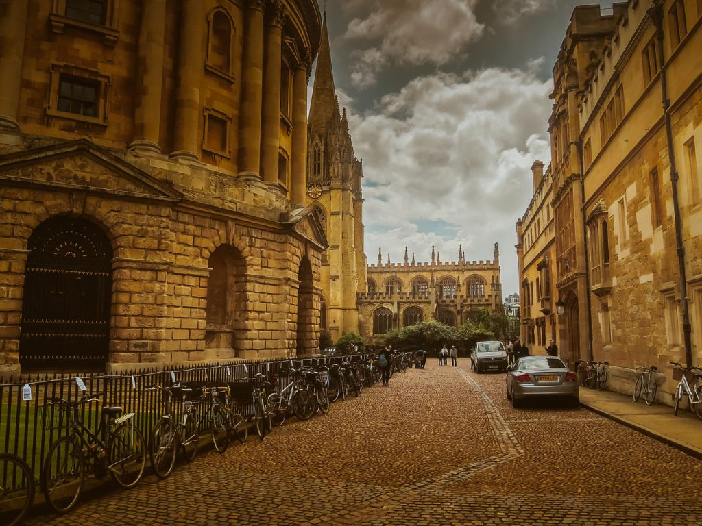 Oxford: Pixabay (Creative Commons)